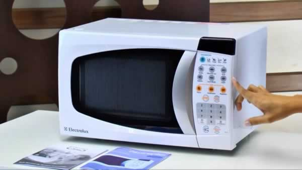8 Microwave Maintenance Tips to Make Your Appliance Last Longer