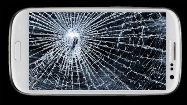 People Who Made The Best of Cracked Phone Screens