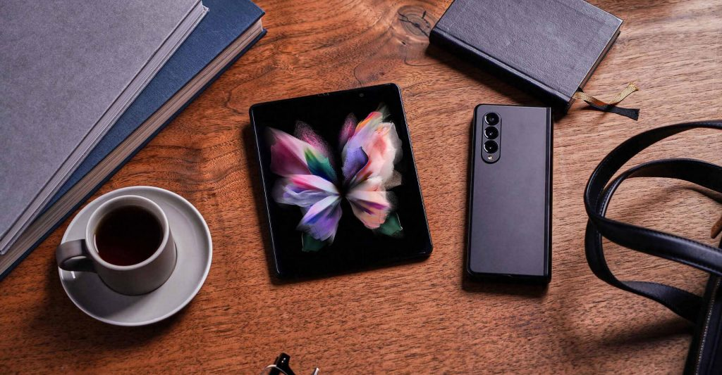 Samsung Galaxy Z Fold 3 Opened Closed