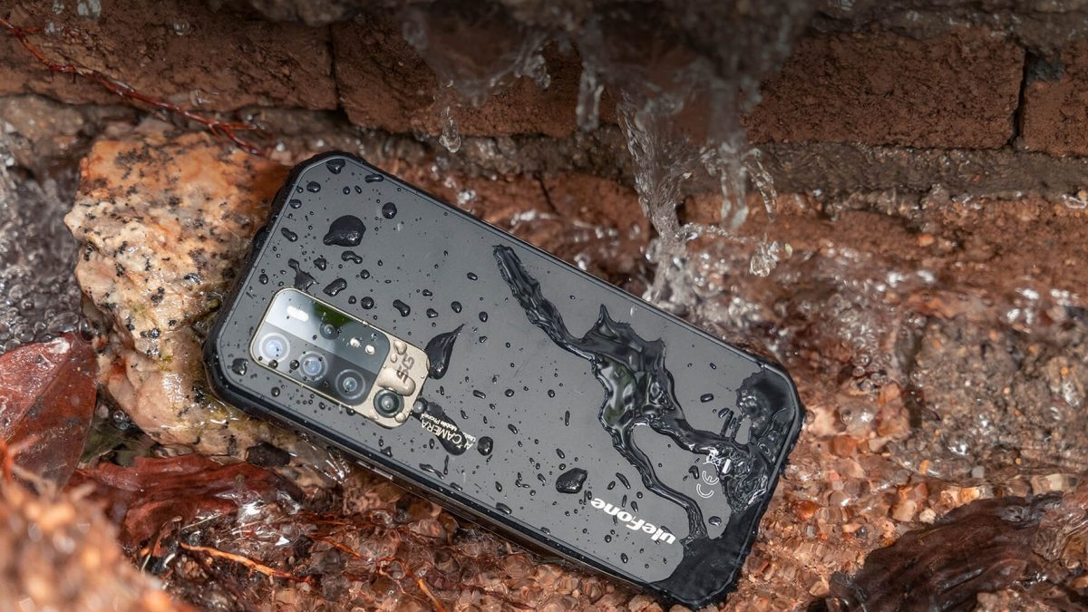 What Makes Smartphones Dust and Water-Resistant? IP Rating, MIL-STD Specs Explained